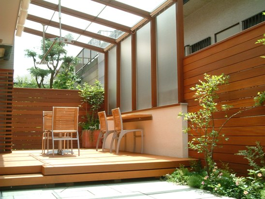 ガーデンルームで快適お庭リフォーム