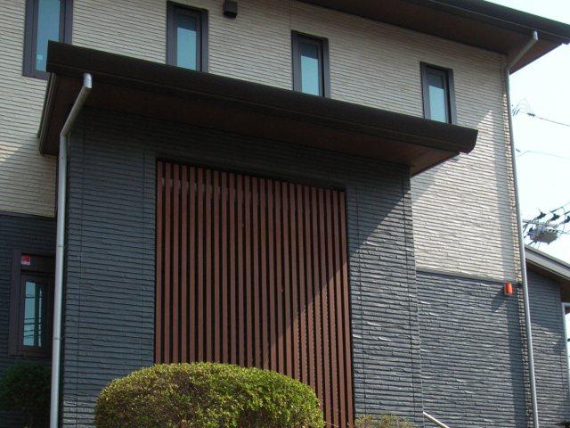 建物の正面パネル
